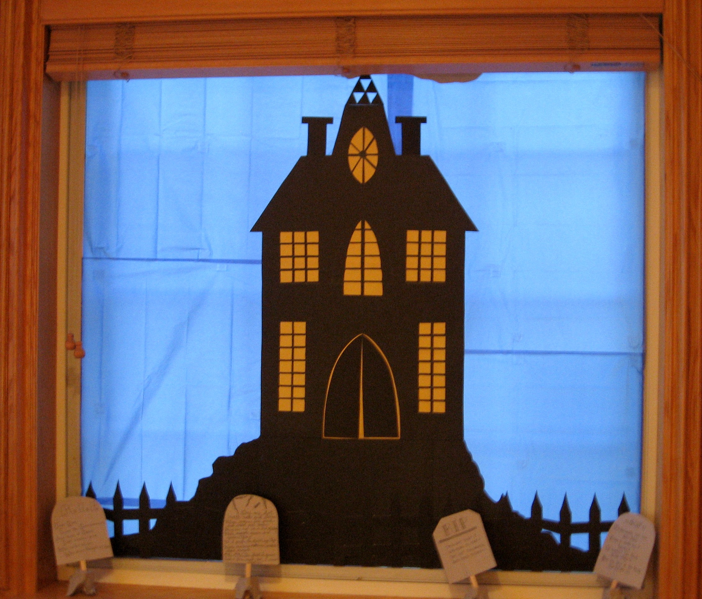 Haunted house bulletin board pictures